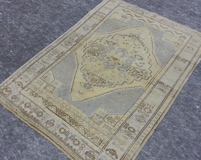 """Medallion Anatolia Rug, Turkish Beige rug, Navy Blue Rug, Vintage handmade rug, 40"""" x 57"""""""