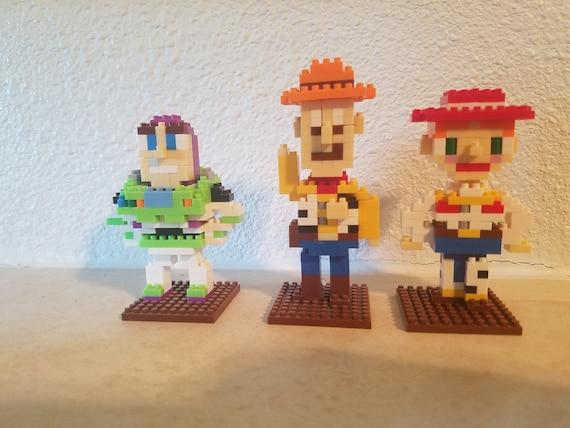 Toy Story Figurines : Toy story english artist creates custom cycling figurines ardiafm