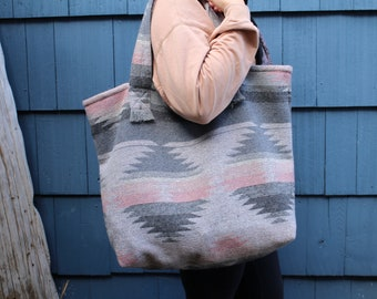 Travellin' Tote - DUSTY ROSE