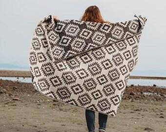 Tofino Beach Blanket - CLASSIC BLACK + WHITE