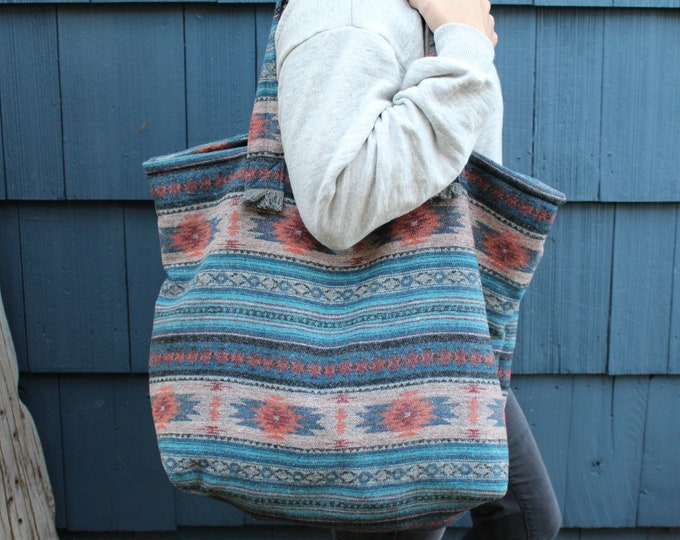 Travellin' Tote- SWITCHBACK