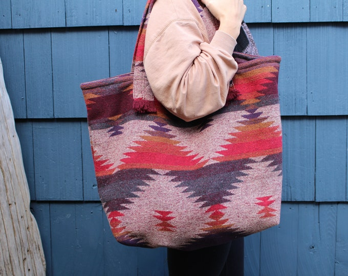 Travellin' Tote - SUNSET