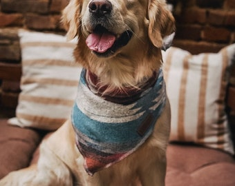 Dog Bandana - THE TRAVELLER