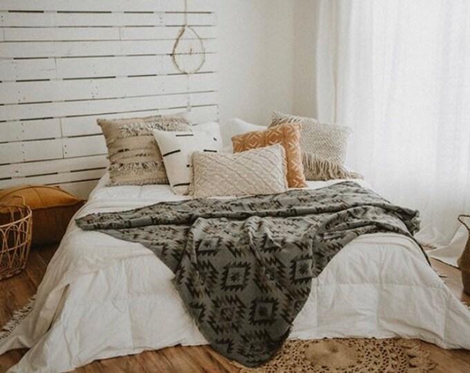 Tofino Beach Blanket - GRAY AZTEC -  Boho - Aztec - Navajo - Camping Blanket - Throw Blanket - Yoga Blanket - Blanket Scarf