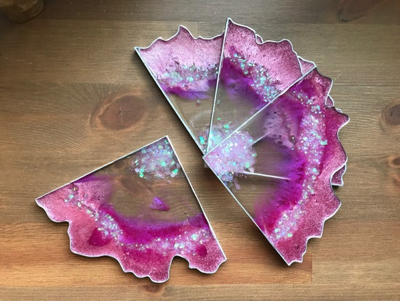 Extra thick 1/4 inch Four slice agate 6inch coaster set hand poured resin art with glitter accent in Bubblegum pink