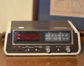 Zenith Clock Radio, touch and snooze, serial no. L2316204, Model R445, Made in Hong Kong, digital