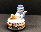 Limoges Porcelain Christmas Snowman on Holly Berries Round White Trinket Box with Presents, Remembrance Gift, Keepsake