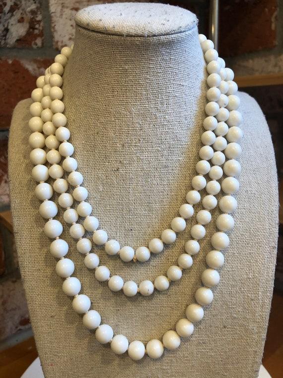 Chic Vintage Triple Pearl Beaded Choker Ornate Gold Tone Finding Wedding Jewelry Bridal Jewelry Elegant Faux White Pearls Multi-Strand