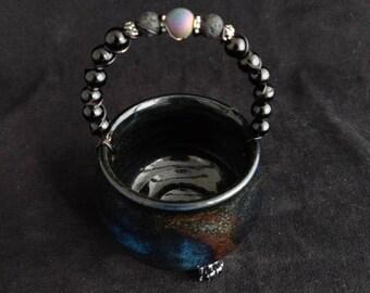 Ceramic Cauldron with handle