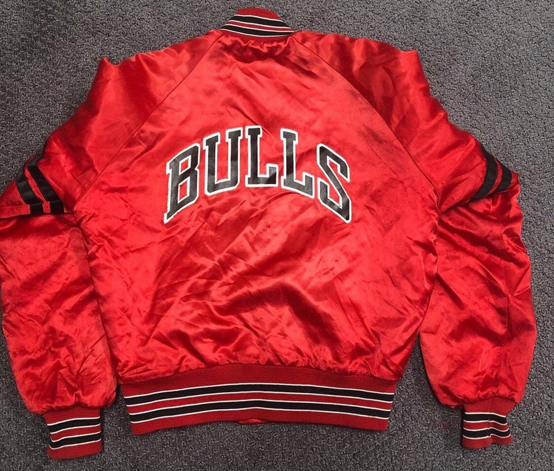 8f3e152e812815 Vintage Chicago Bulls Chalk Line Satin Jacket Boys Small Made