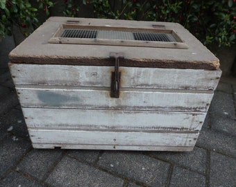 Expressive Metal Edwardian Steamer Trunk Boxes/chests Antiques