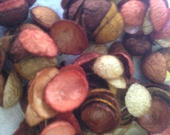 Cocoon particles beige/brown