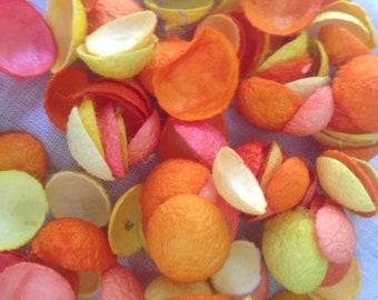 Cocoon particles yellow/orange