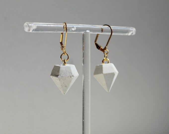 Top - White concrete and gilded steel earrings