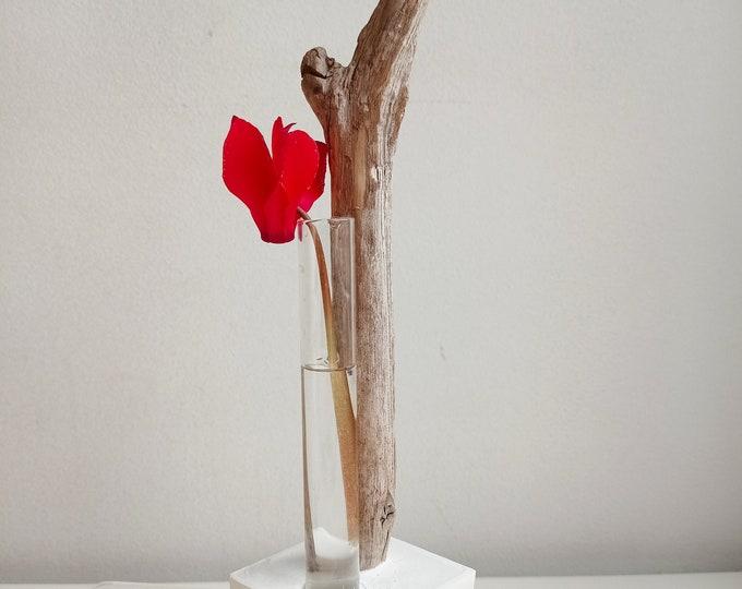 Alliances Series - Soliflore Driftwood and White Concrete Composition