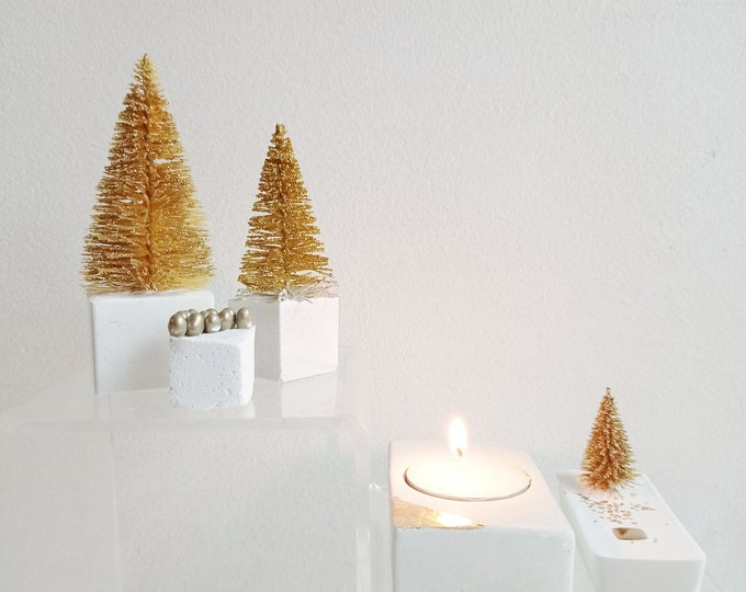 White and gold Christmas decoration box