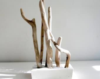 Série Alliances - Composition béton blanc et bois flotté -
