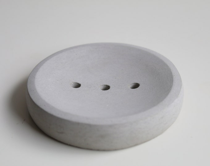 Round soap holder in grey concrete