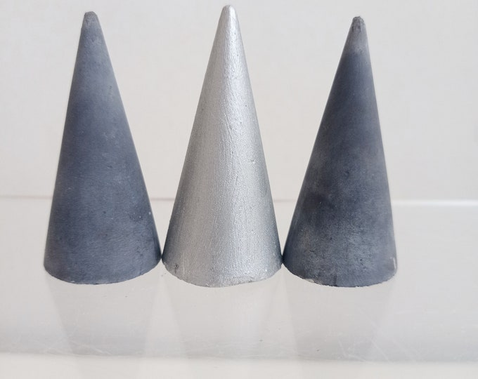 Trio of cone in black concrete and silver ring holders