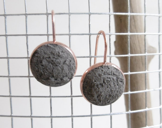 Pink gold steel earrings and anthracite grey concrete - concrete earrings