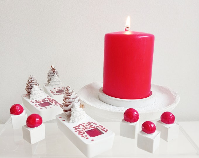 Red Christmas decoration box