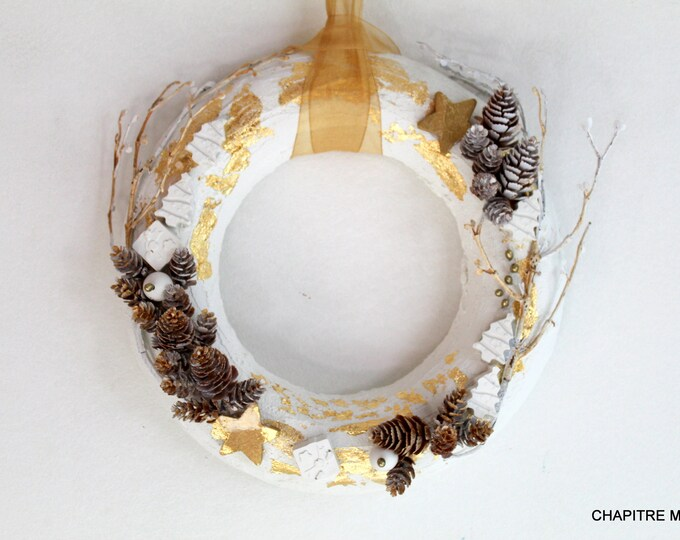 Christmas wreath, white and gold