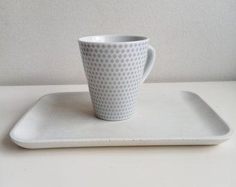 Rectangular tray in white or gray concrete
