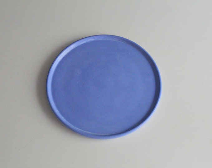 Large round tray in blue concrete