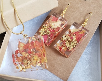 Resin Flower Necklace and Earring Set