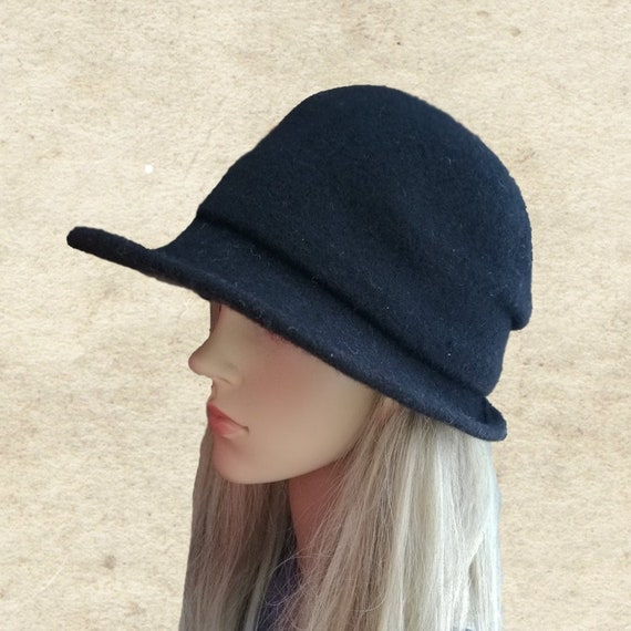 8162d24ca Black felted hat, Felt womens hat, Black cloche hat, Women's winter hat,  Brimmed felt hat, Ladies felted hat, Felt wool hat lady, Felted hat