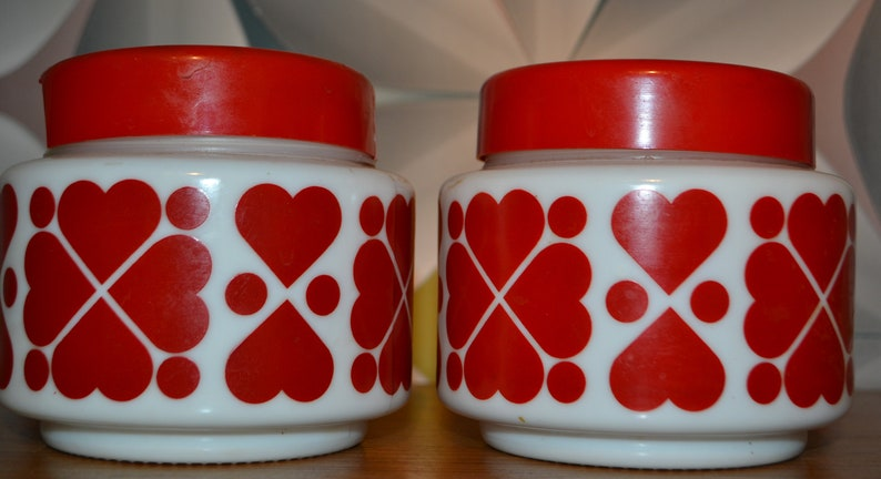 2 vintage cans redwhite heart 70s
