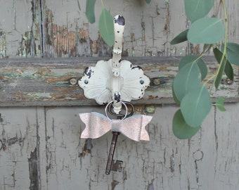 Keychain Leather Bow