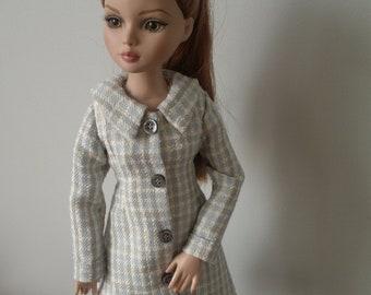 392cee244b2 A coat for Ellowyne Wilde