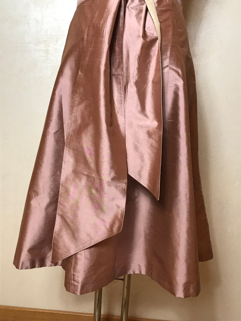 medium size silk fabric Pink vintage 90s elegant dress fit and flare knee length formal event strapless sweetheart