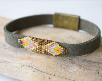 Seed Bead Bracelet, Chevron Bracelet, Peyote Bracelet, Loom Pattern Bracelet, Faux Suede Bracelet, Boho Bracelet, Vegan Bracelet