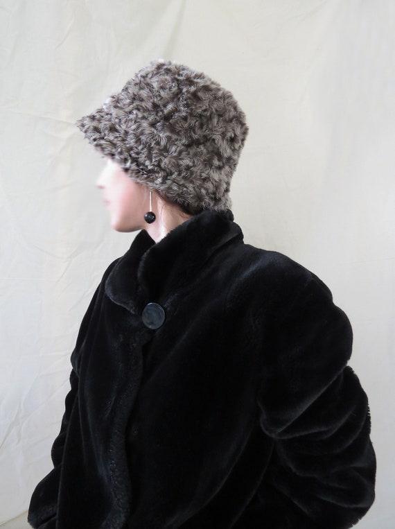 90s leopard print faux fur bucket hat