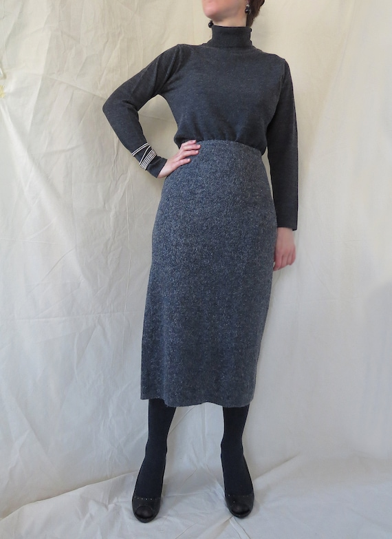 Charcoal textured maxi knit skirt with elastic ban