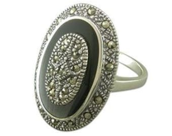 Vintage Silver Decorative Buckle Ring with Blue Spinel 4.3 grams Size S 12