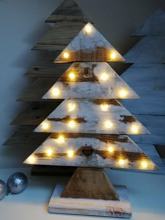 Pallet Wood Christmas Tree.Pallet Wood Christmas Tree Light Up Tree Reclaimed Wood Tree Christmas Decorations White Christmas Tree Christmas Decor Snowy Tree