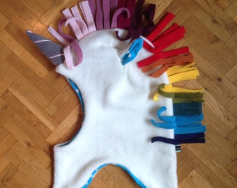 Unicorn cap, scarf, flies * White Rainbow