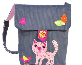 b8e387282d2f2 Szara listonoszka dla dziewczynki - z kotkiem, torebka dla dziecka na  ramię, listonoszka dziecięca z aplikacją kota, prezent dla dziewczynki