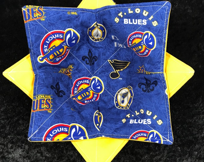 Microwave Bowl Cozy, St. Louis Blues, Blue Note Throwback Print, NHL, hot pad, Quilted, pot holder, Soup Bowl, Ice Cream Bowl, Plate Cozy