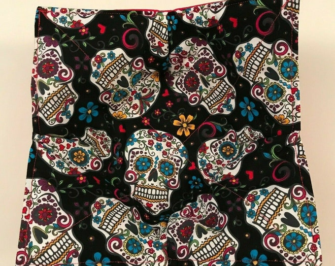 Microwave Bowl Cozy, Sugar Skulls Folkloric, Quilted, pot holder, hot pad, soup bowl, plate cozy