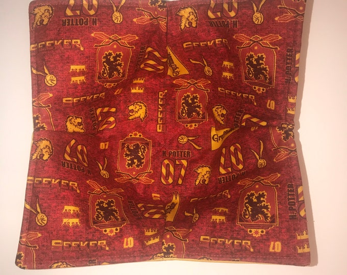 Microwavable bowl cozy, Harry Potter Gryffindor House, Quilted, Soup Bowl, Ice Cream Bowl, Plate Cozy