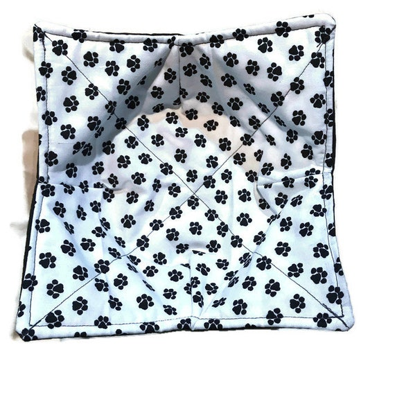 microwavable bowl cozy, Paw Print,  Quilted, pot holder, cozy or trivet.