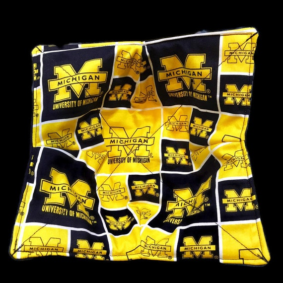 Microwavable bowl cozy, University of Michigan, Quilted, pot holder, cozy or trivet.