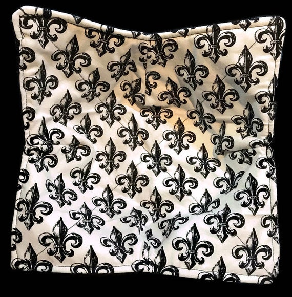 Bowl cozy microwavable, Fleur De Lis, hot pad, Quilted, pot holder, cozie or trivet.