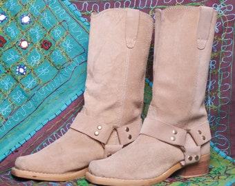 052509fe4a670 Santiags pour femmes - Vintage
