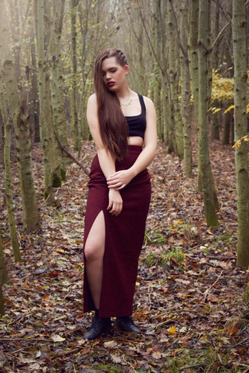 Maxirock Jessa Red-Black with slot size 3638