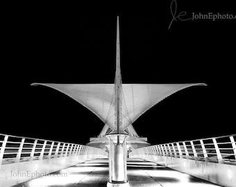 Milwaukee Art Museum Calatrava in Black & White Photo - Burke Brise Soleil - Milwaukee Photograph - 8x10 or 5x7 Print
